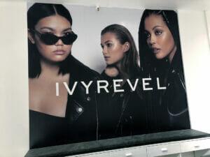 IVYREVEL. Reklam på vägg i deras nya butik.